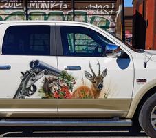 Truck mit Jägermotiv